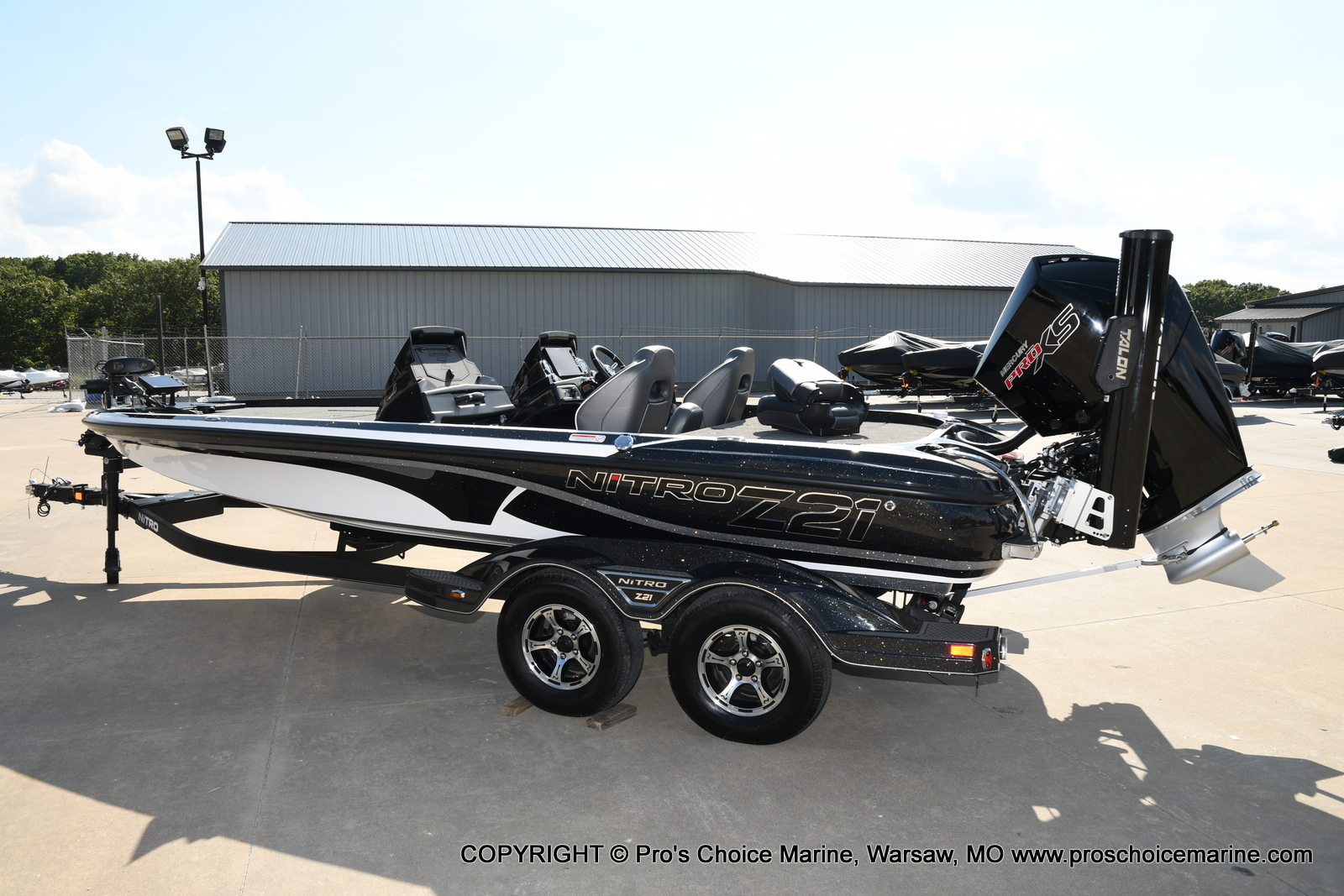 2021 Nitro boat for sale, model of the boat is Z21 Pro Package DUAL CONSOLE & Image # 18 of 50