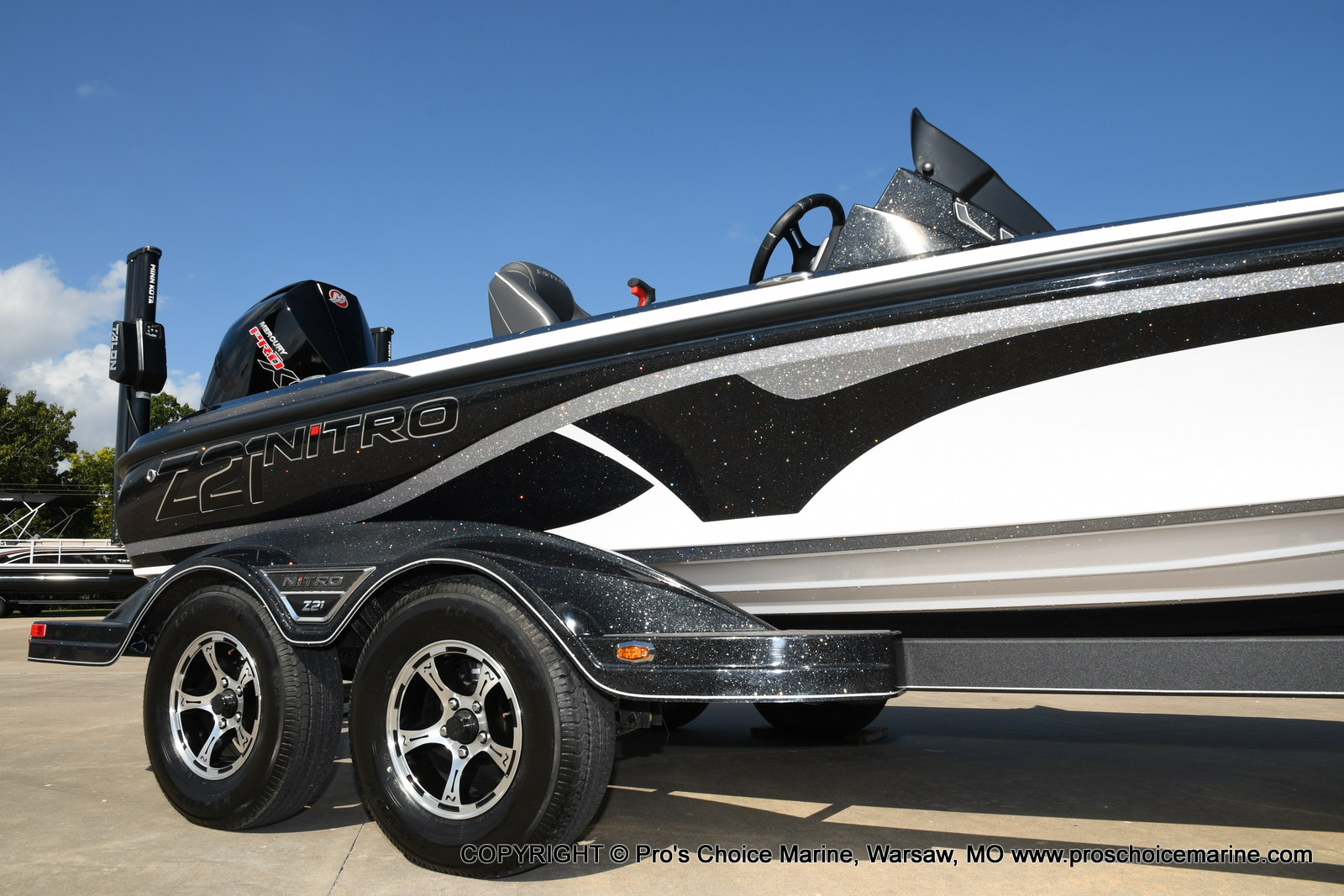 2021 Nitro boat for sale, model of the boat is Z21 Pro Package DUAL CONSOLE & Image # 2 of 50