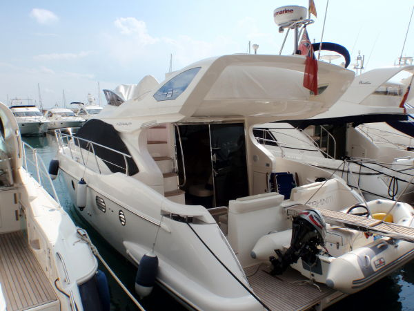 This Azimut 43 Flybridge is one of Azimut most popular Flybridge motor ...