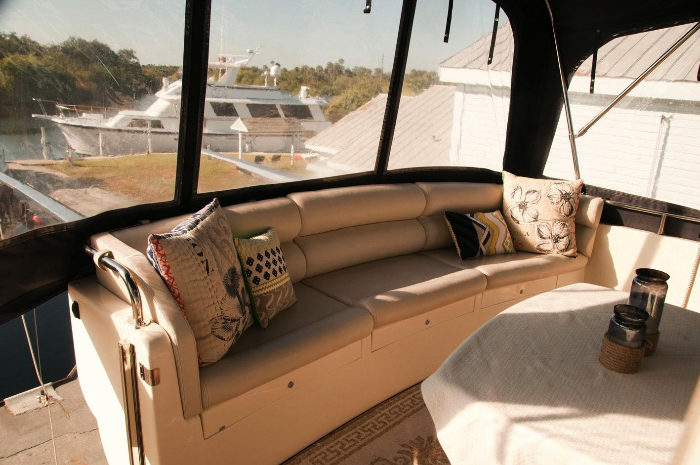 Aft deck seats