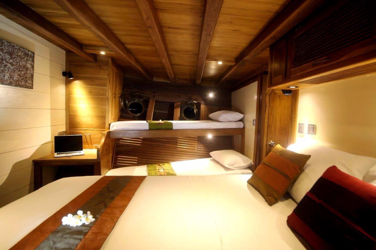 30 m Luxury Phinisi Fwd Cabin
