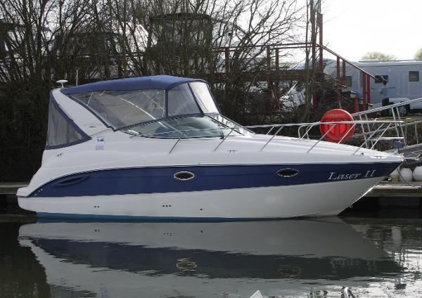 Maxum 2700SE