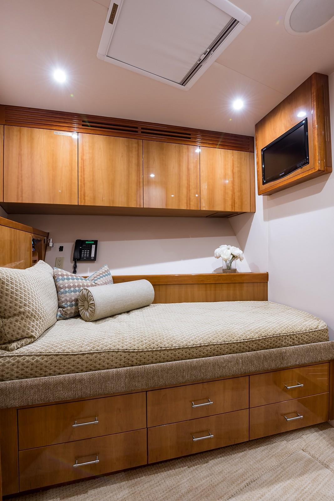 Ace Of Diamonds Hatteras 2010 77 Convertible 77 Yacht for Sale in US