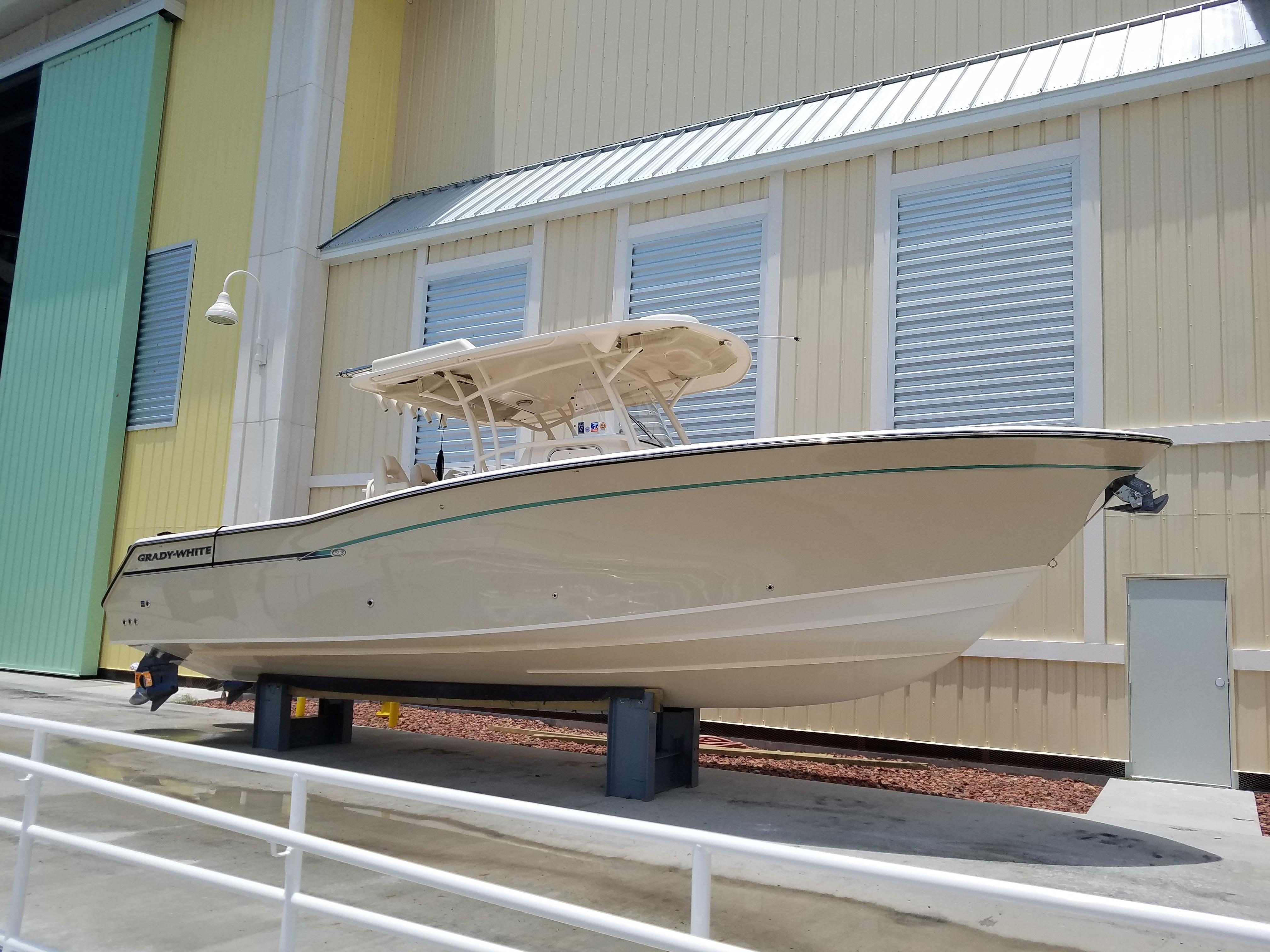 33 Grady-White 2015 Dunedin | Denison Yacht Sales