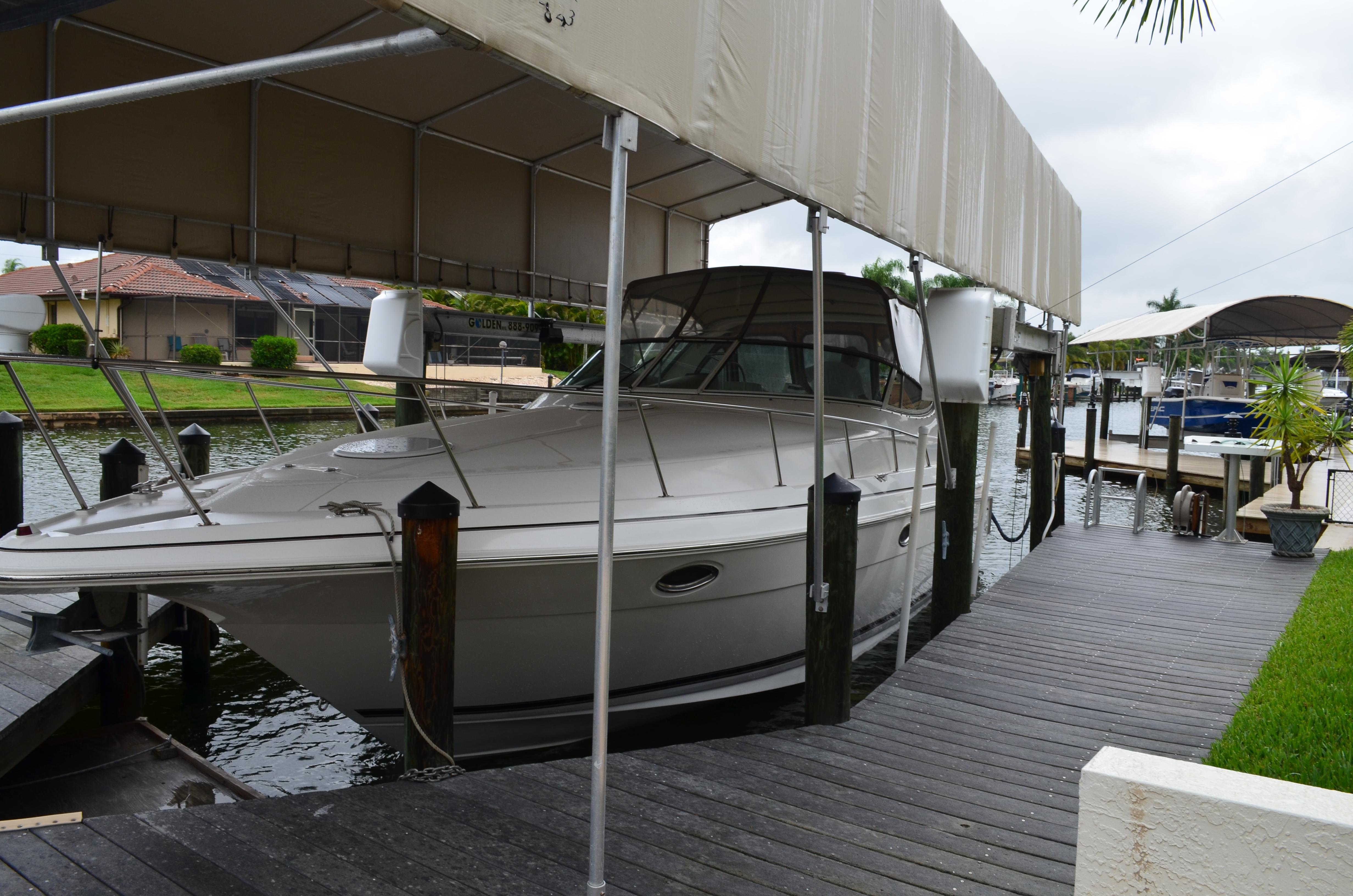 34' Cruisers Yachts 2003 3372 No Hurricane Damage