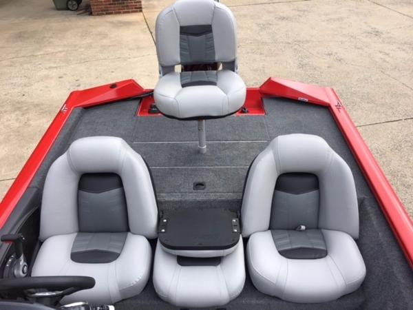 2018 Tracker Boats boat for sale, model of the boat is Pro Team 175 TXW & Image # 5 of 10