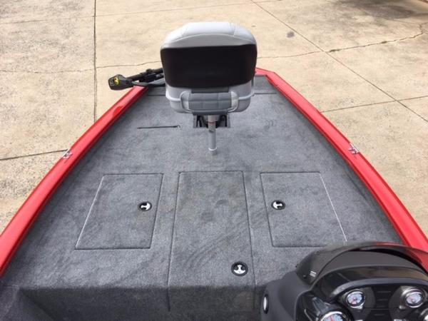 2018 Tracker Boats boat for sale, model of the boat is Pro Team 175 TXW & Image # 4 of 10