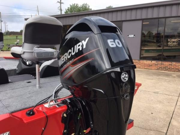 2018 Tracker Boats boat for sale, model of the boat is Pro Team 175 TXW & Image # 2 of 10