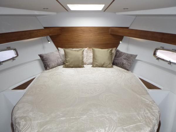 Sealine SC35 - Master Cabin