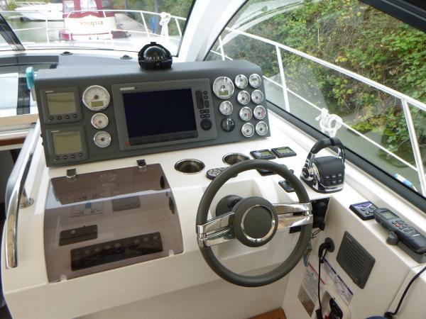 Sealine SC35 - Helm