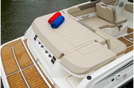 2019 Bayliner boat for sale, model of the boat is VR5 Bowrider & Image # 9 of 34