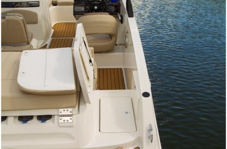 2019 Bayliner boat for sale, model of the boat is VR5 Bowrider & Image # 10 of 34