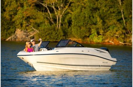 2019 Bayliner boat for sale, model of the boat is VR5 Bowrider & Image # 13 of 34
