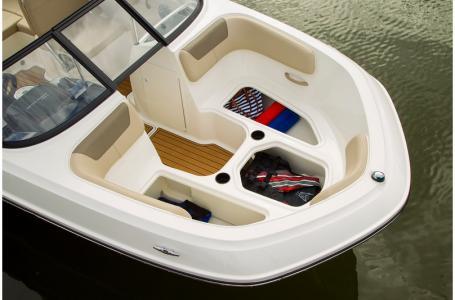 2019 Bayliner boat for sale, model of the boat is VR5 Bowrider & Image # 14 of 34