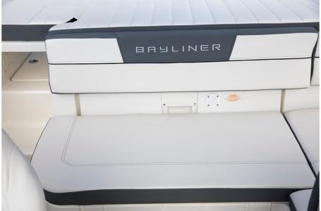 2019 Bayliner boat for sale, model of the boat is VR5 Bowrider & Image # 15 of 34