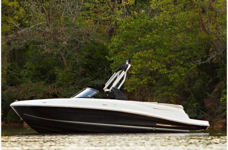 2019 Bayliner boat for sale, model of the boat is VR5 Bowrider & Image # 16 of 34