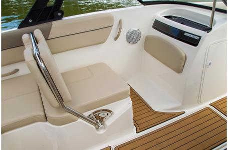 2019 Bayliner boat for sale, model of the boat is VR5 Bowrider & Image # 17 of 34