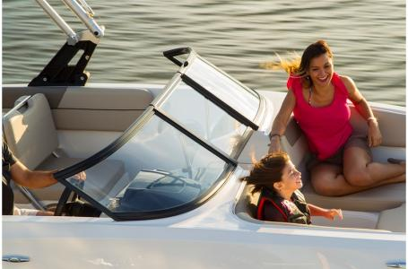 2019 Bayliner boat for sale, model of the boat is VR5 Bowrider & Image # 18 of 34