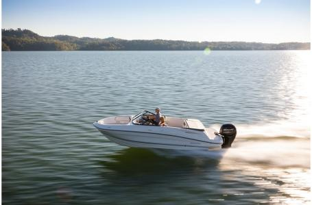 2019 Bayliner boat for sale, model of the boat is VR5 Bowrider & Image # 1 of 34