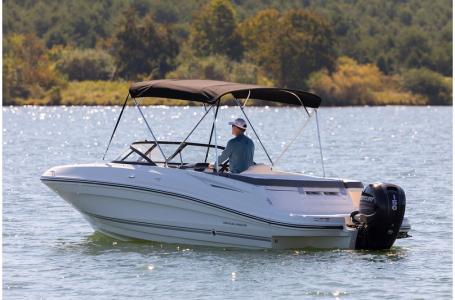 2019 Bayliner boat for sale, model of the boat is VR5 Bowrider & Image # 20 of 34