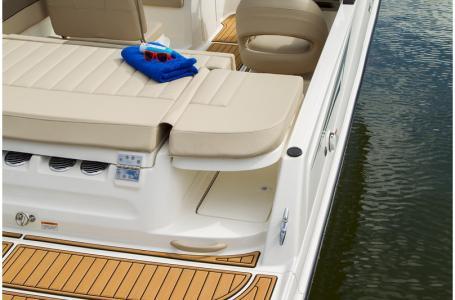 2019 Bayliner boat for sale, model of the boat is VR5 Bowrider & Image # 28 of 34