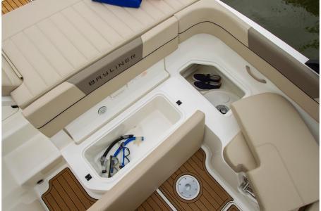 2019 Bayliner boat for sale, model of the boat is VR5 Bowrider & Image # 2 of 34