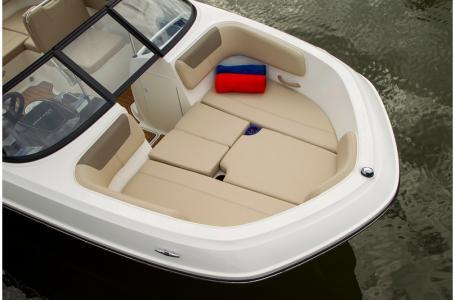 2019 Bayliner boat for sale, model of the boat is VR5 Bowrider & Image # 32 of 34