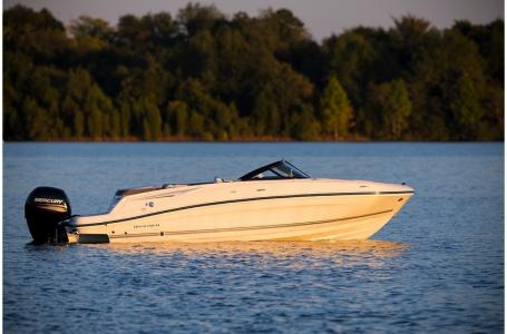 2019 Bayliner boat for sale, model of the boat is VR5 Bowrider & Image # 4 of 34