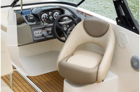 2019 Bayliner boat for sale, model of the boat is VR5 Bowrider & Image # 5 of 34