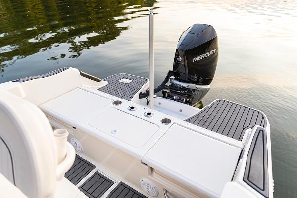 2021 Bayliner boat for sale, model of the boat is T22CC & Image # 19 of 23