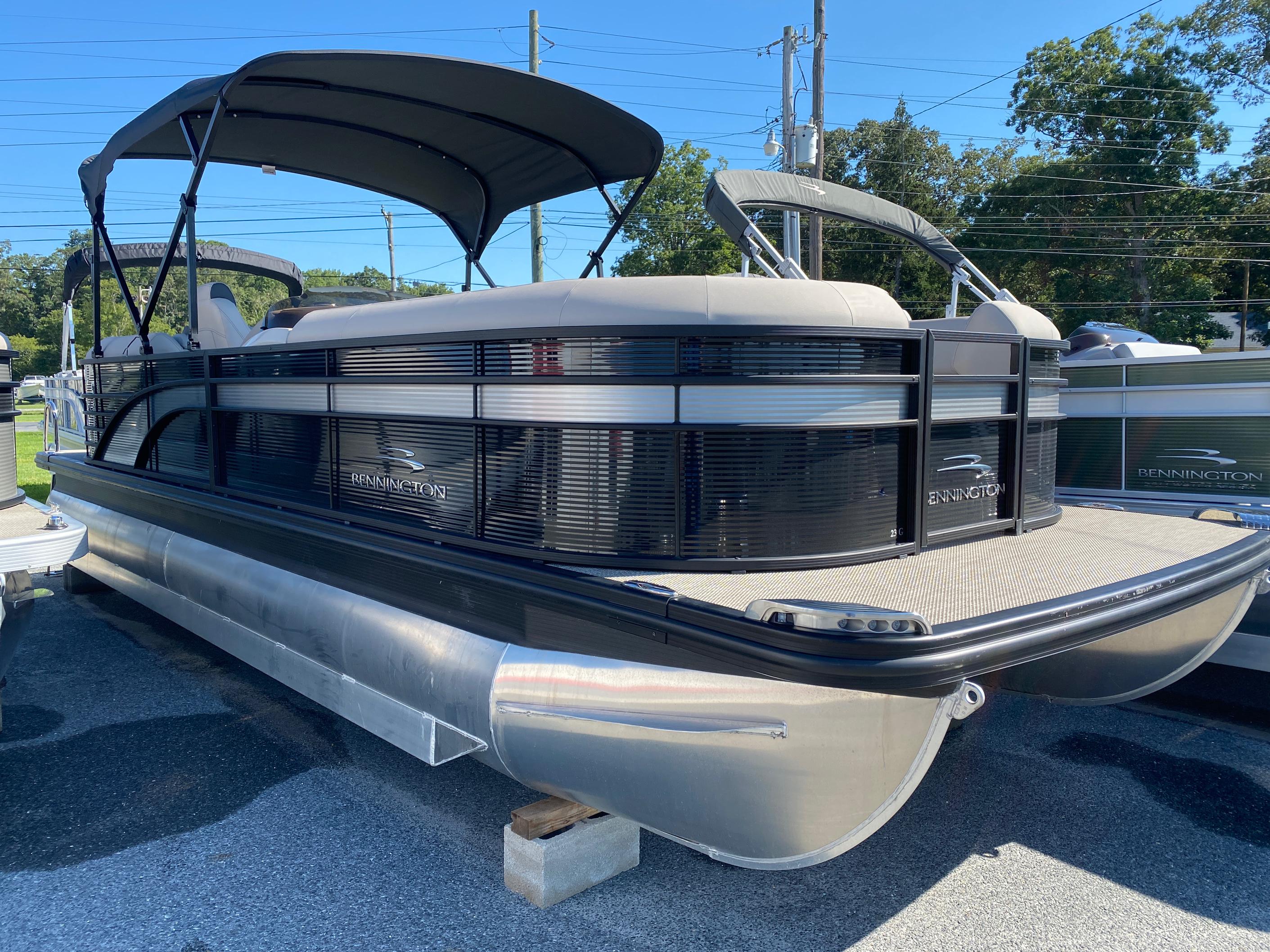 2019 Bennington boat for sale, model of the boat is 23 GSR & Image # 1 of 3