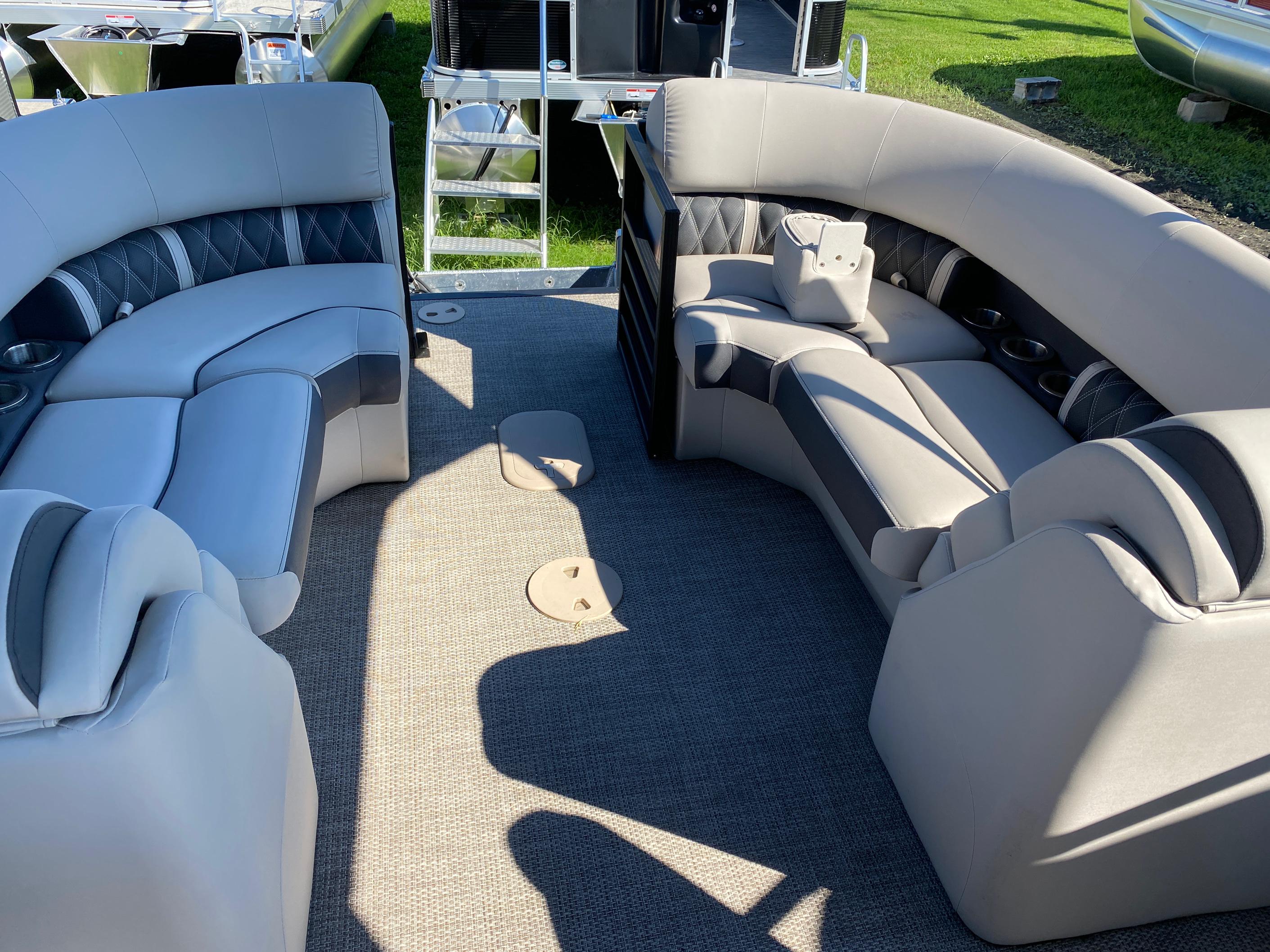 2019 Bennington boat for sale, model of the boat is 23 GSR & Image # 2 of 3