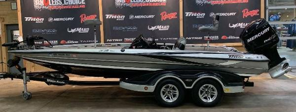 2012 Triton boat for sale, model of the boat is 21 XS & Image # 1 of 11