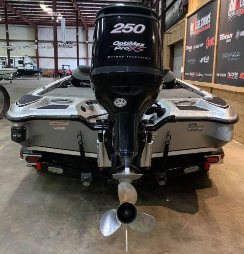 2012 Triton boat for sale, model of the boat is 21 XS & Image # 2 of 11