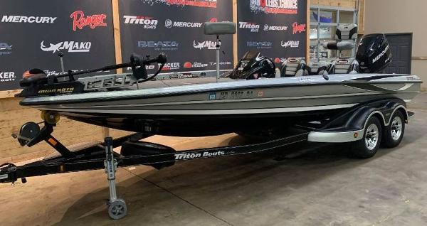 2012 Triton boat for sale, model of the boat is 21 XS & Image # 3 of 11