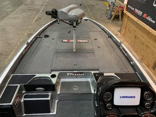 2012 Triton boat for sale, model of the boat is 21 XS & Image # 4 of 11