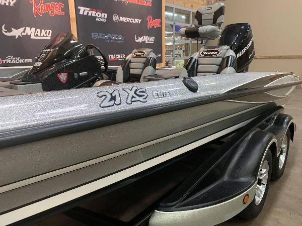 2012 Triton boat for sale, model of the boat is 21 XS & Image # 5 of 11