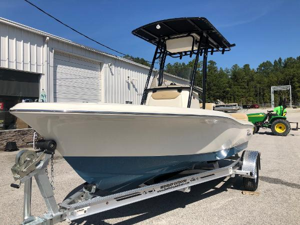 2021 Pioneer boat for sale, model of the boat is 180 Islander & Image # 1 of 24