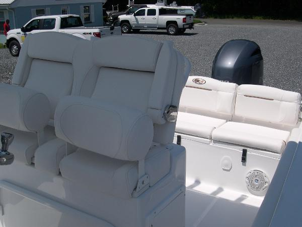 234 Ultra Captains Chairs Photo 23