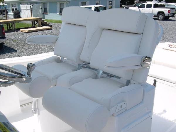 234 Ultra Captains Chairs Photo 25