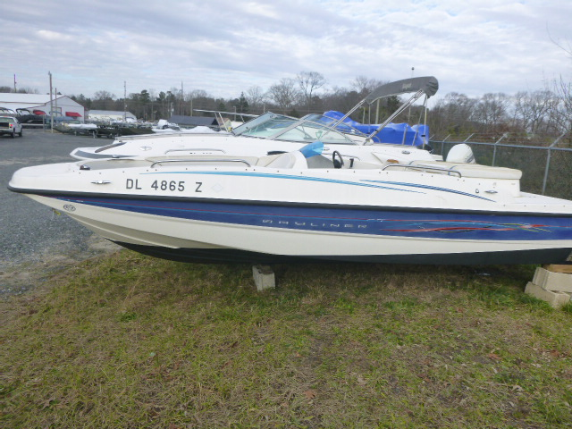 2006 Bayliner boat for sale, model of the boat is 197SD & Image # 1 of 5