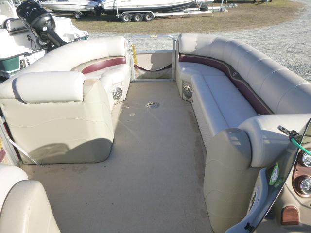 2009 Tahoe boat for sale, model of the boat is Sierra(22') & Image # 6 of 15