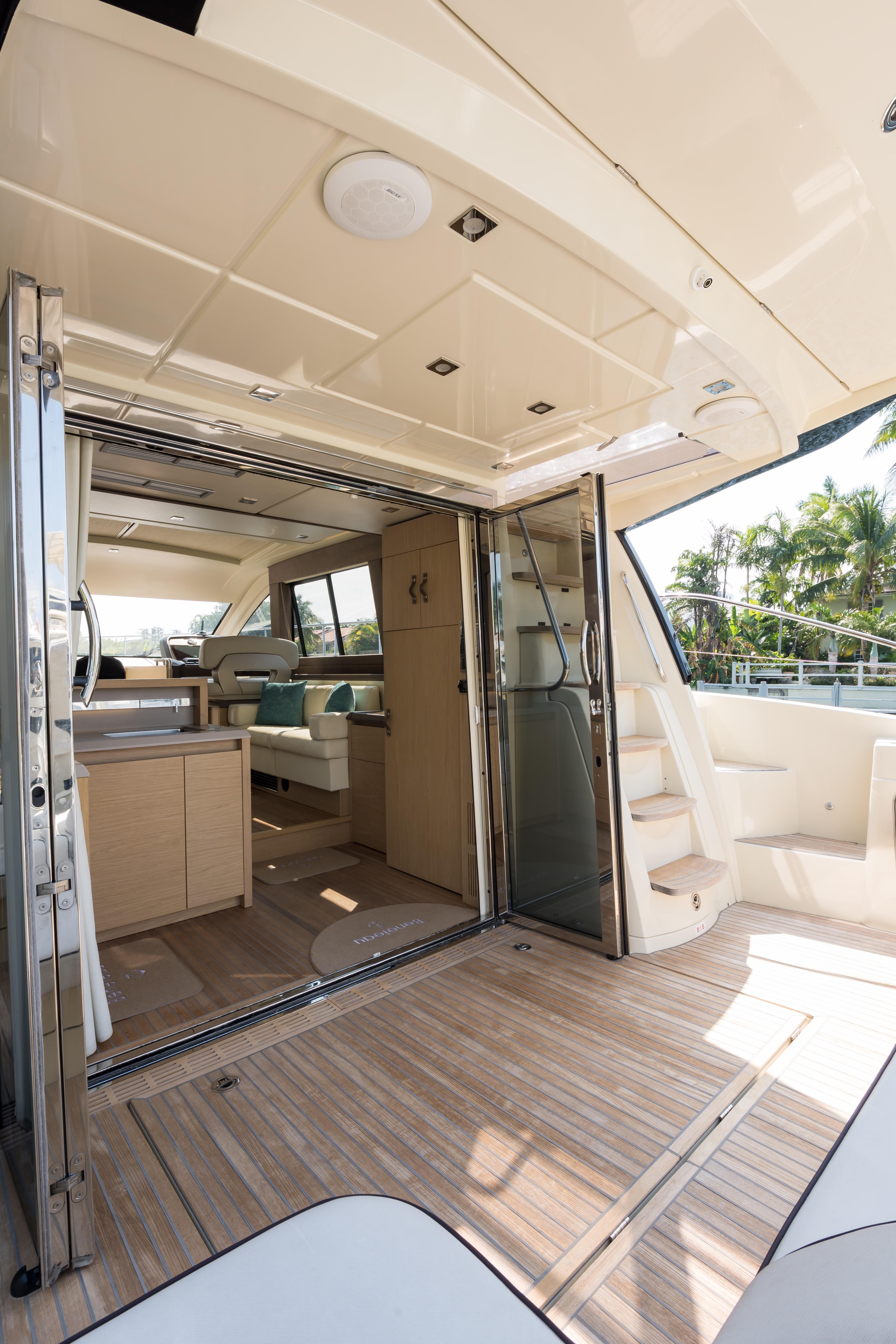 2015 Beneteau Monte Carlo 5S Cockpit