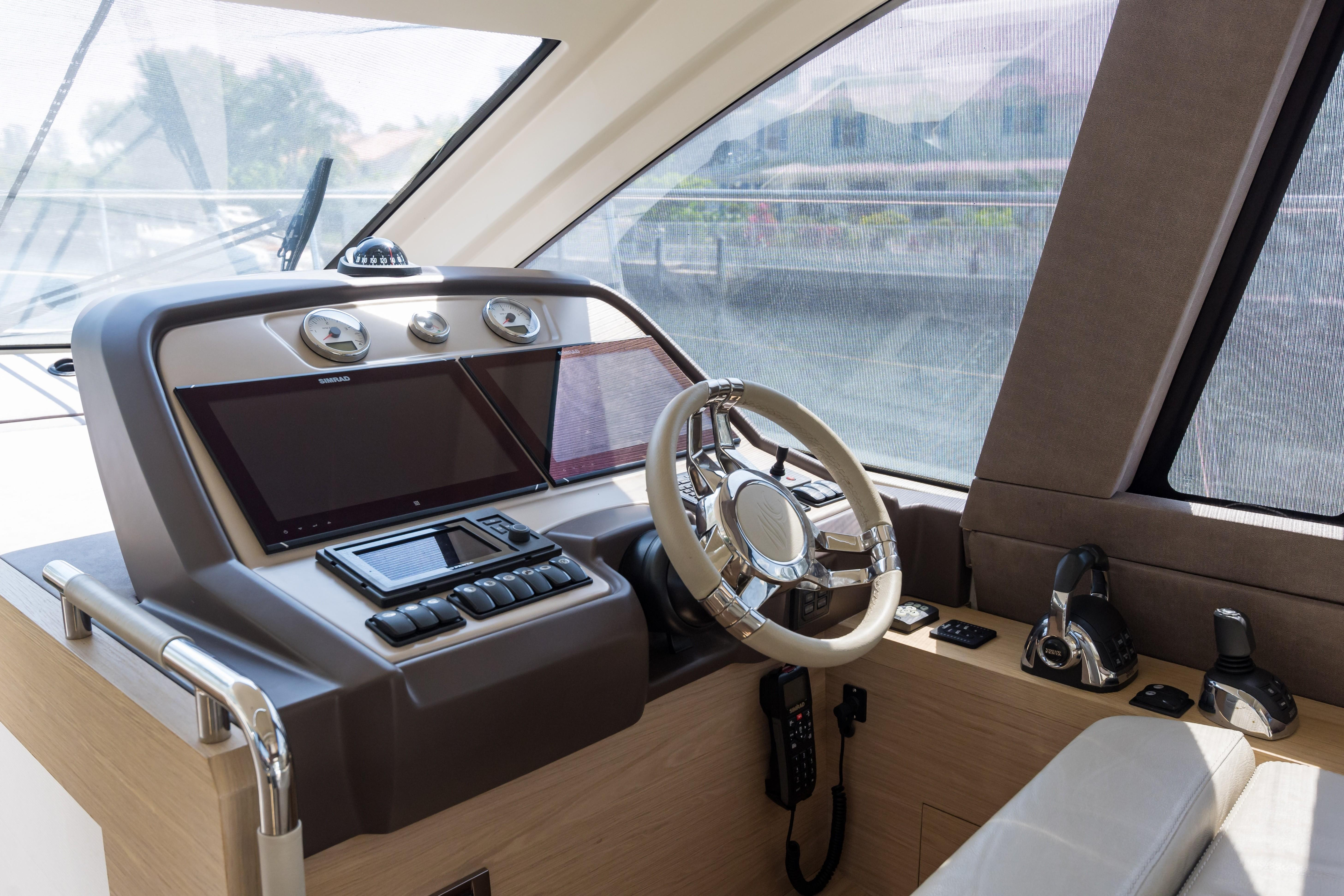 2015 Beneteau Monte Carlo 5S Helm