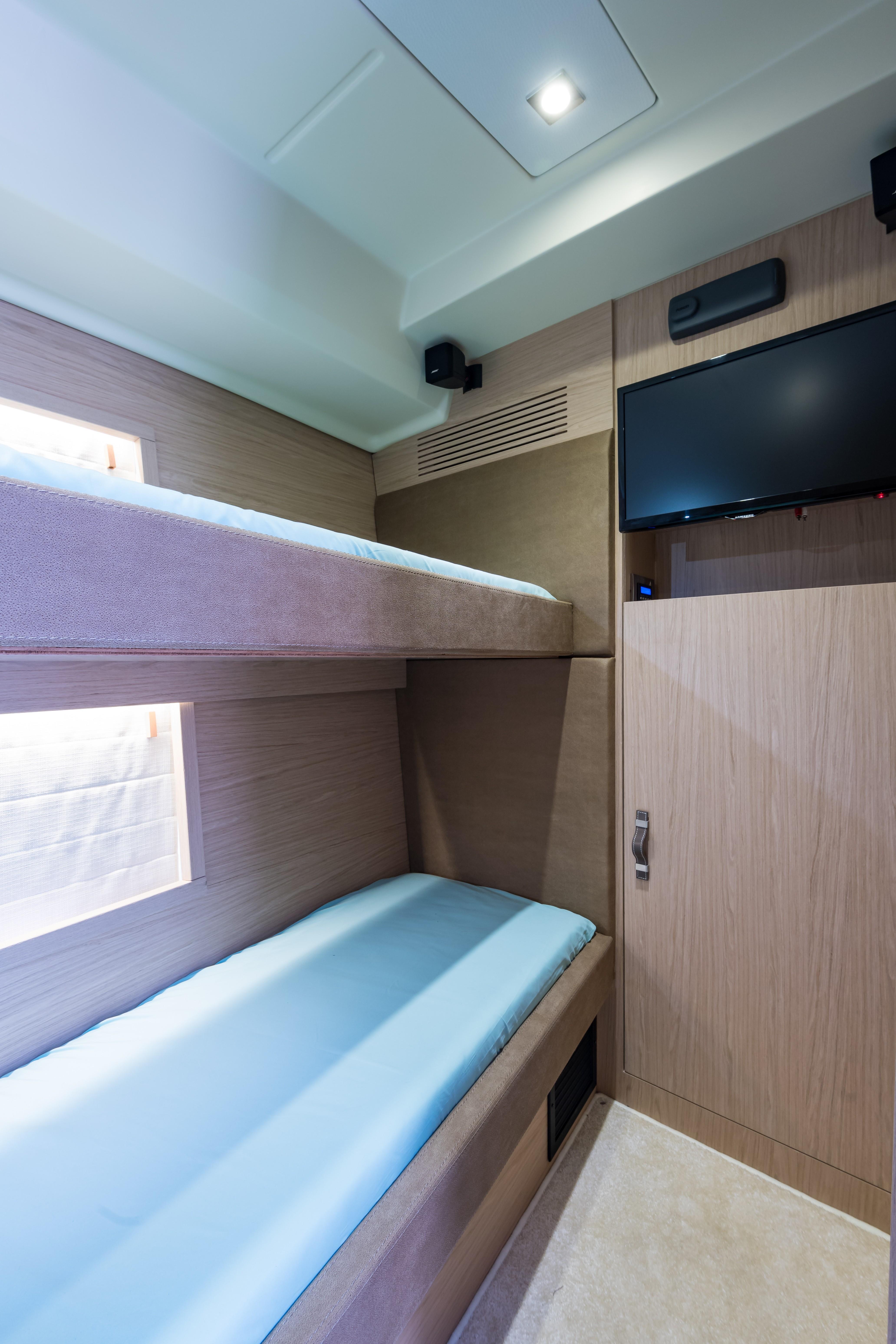 2015 Beneteau Monte Carlo 5S Guest Bunk Stateroom