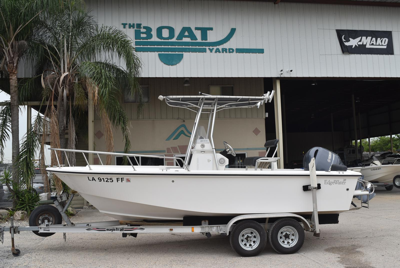 2002 Edgewater boat for sale, model of the boat is 200CC & Image # 1 of 32