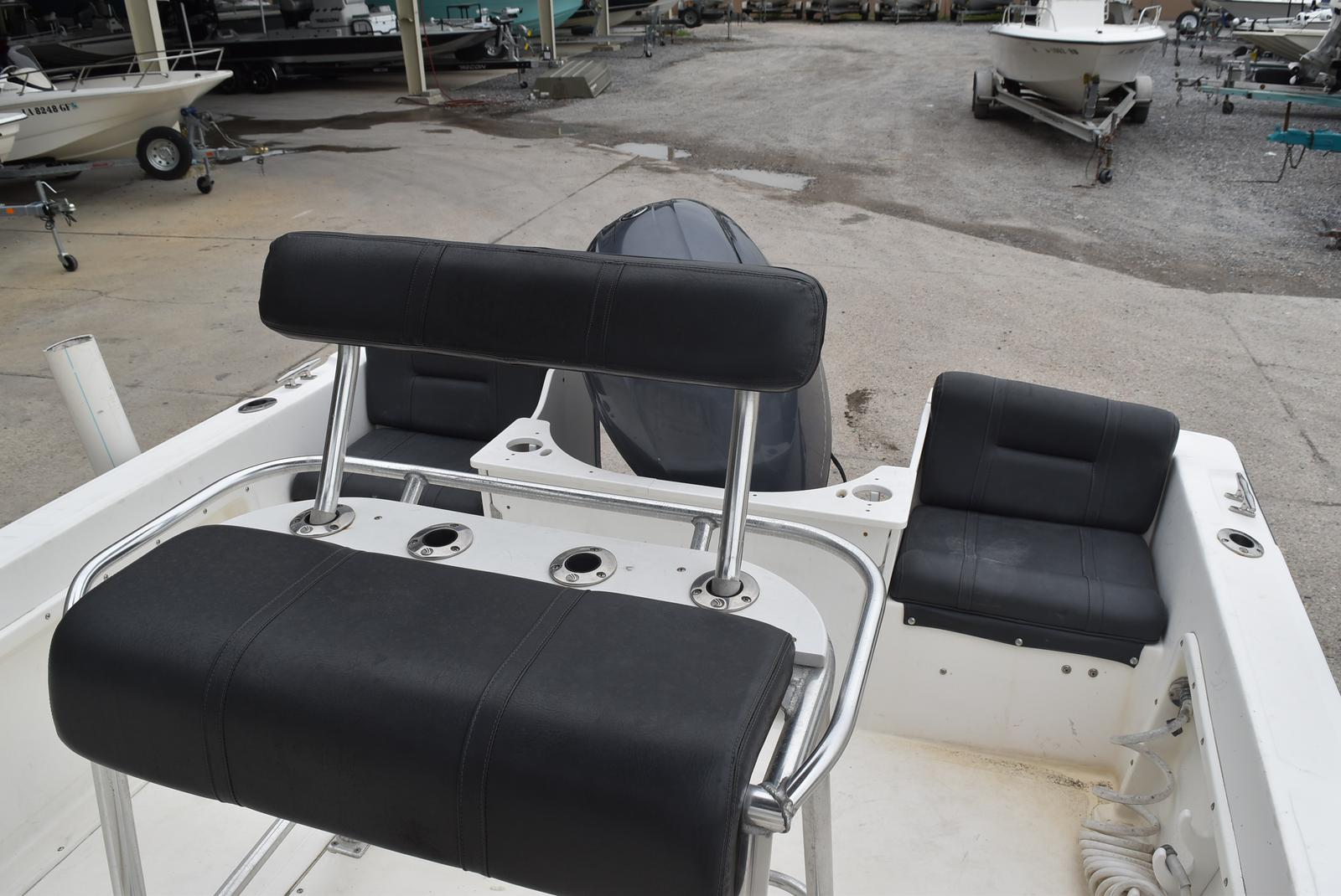 2002 Edgewater boat for sale, model of the boat is 200CC & Image # 2 of 32