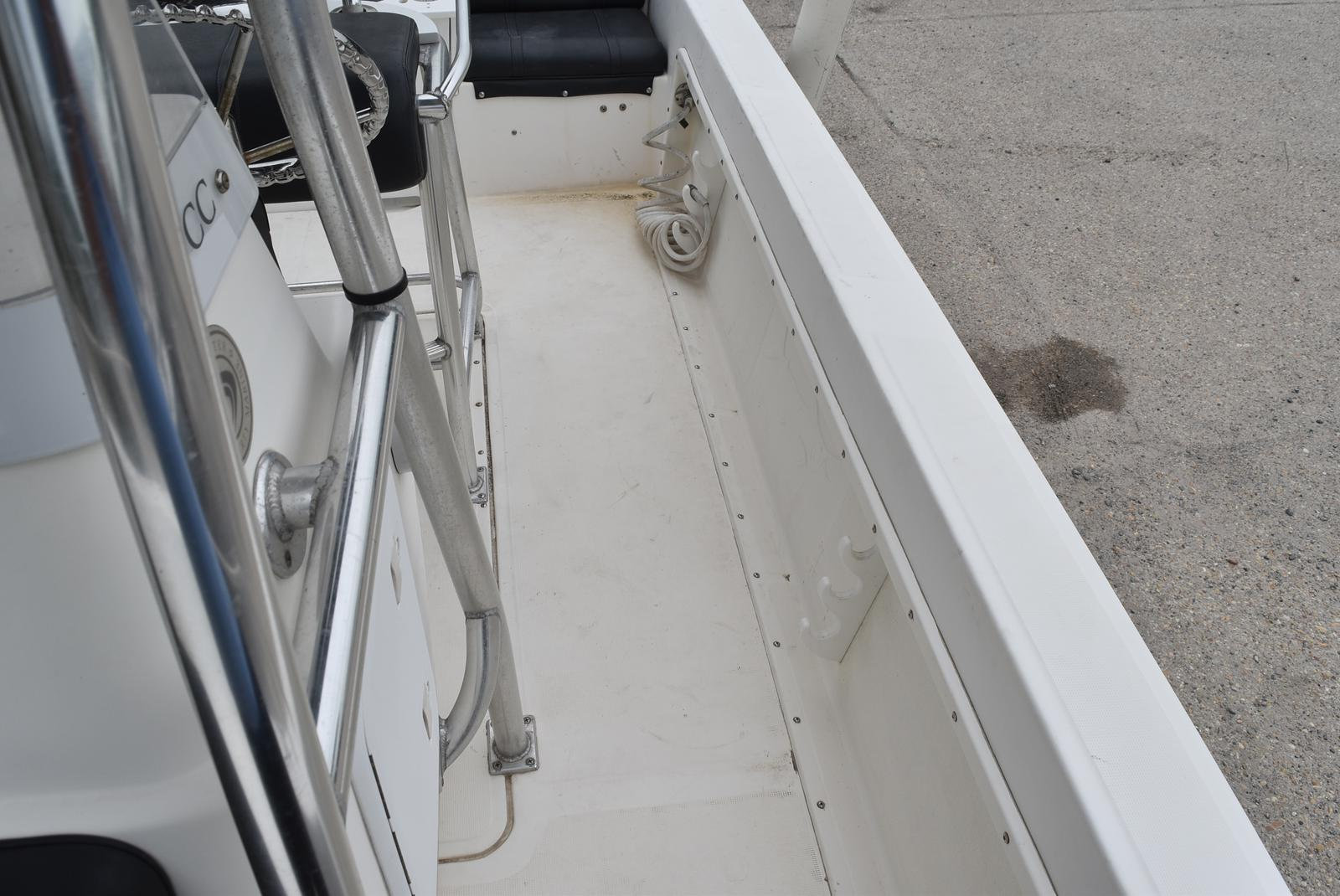 2002 Edgewater boat for sale, model of the boat is 200CC & Image # 5 of 32