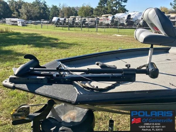 2010 Tracker Boats boat for sale, model of the boat is Pro Team 190 TX & Image # 7 of 13