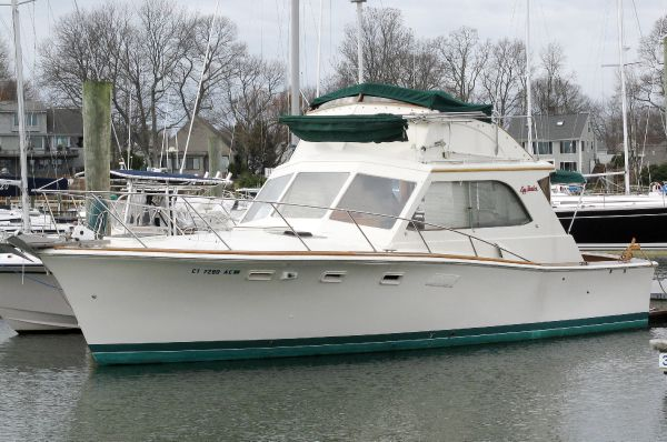 Egg Harbor 33 Convertible Boats. Listing Number: M-3838459 33' Egg Harbor 33